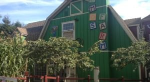 Everyone Should Visit This Amazing Antique Barn Near San Francisco At Least Once