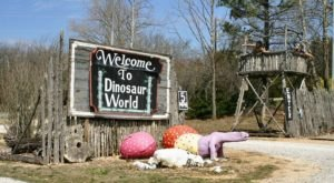 8 Unusual Places To Spot Dinosaurs In Arkansas