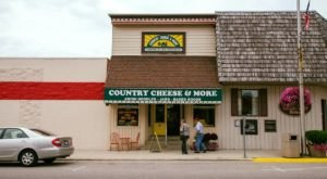 This Charming Amish Country Store In Illinois Is Worth A Small Road Trip