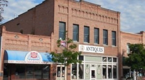 The Tiny Town In Montana That's Absolute Heaven If You Love Antiquing