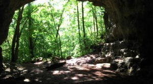 This Quaint Little Trail Is The Shortest And Sweetest Hike In Missouri