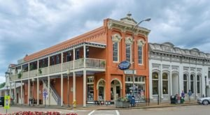This 3-Building Bookstore In Mississippi Is Like Something From A Dream