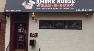 This Unassuming Smokehouse In New Jersey Serves Up The Most Amazing Wings You've Ever Tried