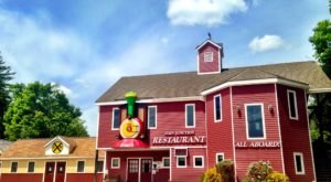 This One Of A Kind Restaurant In New Hampshire Is Fun For The Whole Family