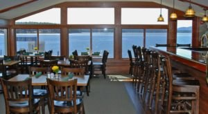 This Lakefront New Hampshire Restaurant Has Gorgeous Views All Year