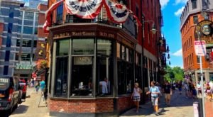 The Oldest Bar In Massachusetts Has A Fascinating History