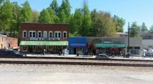 The Old Timey Town In North Carolina That Will Have You Longing For The Good Old Days
