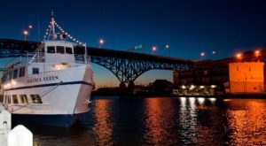 This Twilight Boat Ride In Ohio Will Take You On An Unforgettable Dinner Adventure