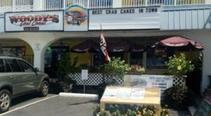 The World's Best Crabcakes Can Be Found At This Delaware Dive