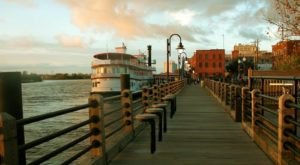This Twilight Riverboat Cruise In Delaware Will Take You On An Unforgettable Dinner Adventure