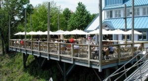 It's Impossible Not To Love This Pittsburgh Restaurant Right On The River