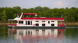 Get Away From It All With A Stay In These Incredible Missouri Houseboats