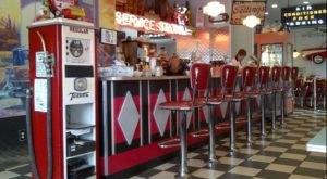A '50s Themed Diner In Ohio, Nutcracker Family Restaurant Is Full Of Nostalgic Charm