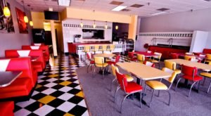You'll Absolutely Love This 50s Themed Diner In Minnesota