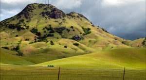 The World's Smallest Mountain Range Is Right Here In Northern California And It's Actually Breathtaking