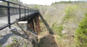 These 7 Illinois Hiking Trails Lead To Some Incredible Pieces Of History
