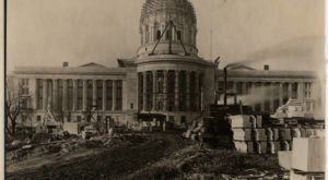 10 Rare Photos Taken During The Missouri State Capitol Construction That Will Simply Astound You