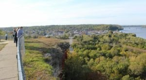 The Short Hike In Missouri That Leads To A Panoramic, 360-Degree View
