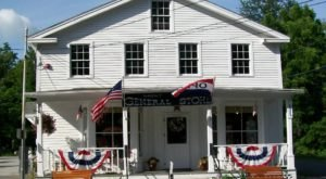 The New Hampshire Store That's In The Middle Of Nowhere But So Worth The Journey