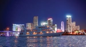 This Twilight Boat Ride In Boston Will Take You On An Unforgettable Dinner Adventure