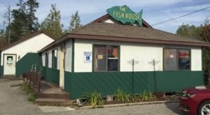 The Unassuming Michigan Restaurant That Serves The Best Seafood You've Ever Tried