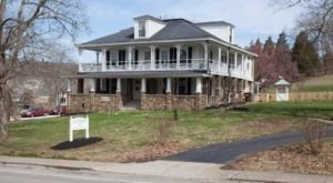 The Brand New Bed And Breakfast Near Cincinnati That's Perfect For A Getaway