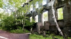 The Spooky New York Hike That Will Lead You Somewhere Deserted