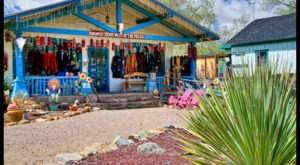 The Tiny Town In New Mexico That's Absolute Heaven If You Love Antiquing