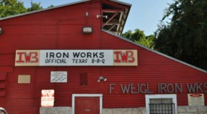 This Historic Iron Works Shop In Austin Is Now A Restaurant And Serves The Most Delicious BBQ