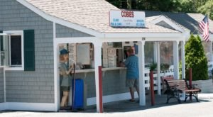 The Unassuming Massachusetts Restaurant That Serves The Best Seafood You've Ever Tried
