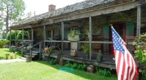 The Remote Cabin Restaurant Just Outside of New Orleans That Serves Up The Most Delicious Food