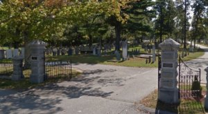 This Obscure New Hampshire Cemetery Is The Resting Place Of One Of History's Most Famous Americans