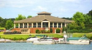 10 Lakeside Restaurants In Tennessee You Simply Must Visit This Time Of Year