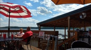 8 Lakeside Restaurants In Indiana You Simply Must Visit This Time Of Year