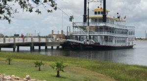 Spend A Perfect Day On This Old-Fashioned Paddle Boat Cruise In Texas