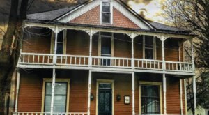 The History Behind This Remote Hotel In Indiana Is Both Eerie And Fascinating