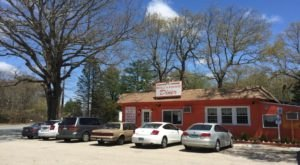 This Rhode Island Diner In The Middle Of Nowhere Is Downright Delicious