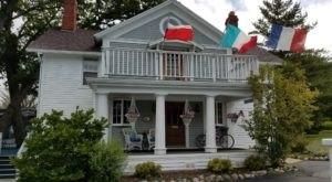 This Hidden Lakeside Inn Near Milwaukee Is The Perfect Weekend Getaway