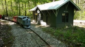There's A Little-Known, Fascinating Train Park Near Cleveland  And You'll Want To Visit