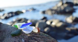 You'll Want To Visit These 8 Beaches For The Most Beautiful Rhode Island Sea Glass