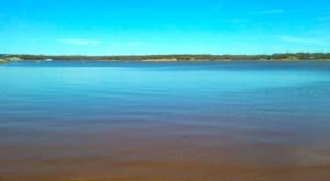 You'll Want To Visit This One Gorgeous Oklahoma Lake That's As Blue As The Sky