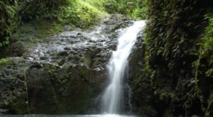 The Natural Swimming Hole In Hawaii That Will Take You Back To The Good Ole Days