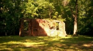 Most People Don't Know About These Strange Ruins Hiding In Mississippi