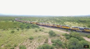 Most People Don't Know Hundreds Of Out-Of-Use Locomotives Are Hidden In The Arizona Desert