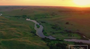 A Drone Flew Over A River In North Dakota And Captured Breathtaking Footage