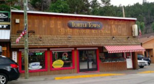 The Old-Fashioned Ice Cream & Candy Shop In South Dakota That's Simply To Die For