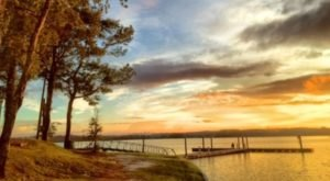 The Breathtaking Alabama Lake That Will Make Your Summer Unforgettable