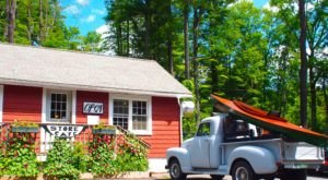 The Remote Cabin Restaurant In Massachusetts That Serves Up The Most Delicious Food