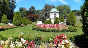 7 Unexpected Gardens In Rhode Island Where You'll Feel Like You've Stepped Into A Fairytale