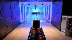 The One Bowling Alley In New York That's The The Ultimate Adult Playground